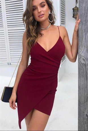 İNCE ASKILI KRUVAZE YAKA ASİMETRİK KESİM BORDO KREP KUMAŞ MİNİ ELBİSE DARK RED MINI DRESS EMR-073-BORDO